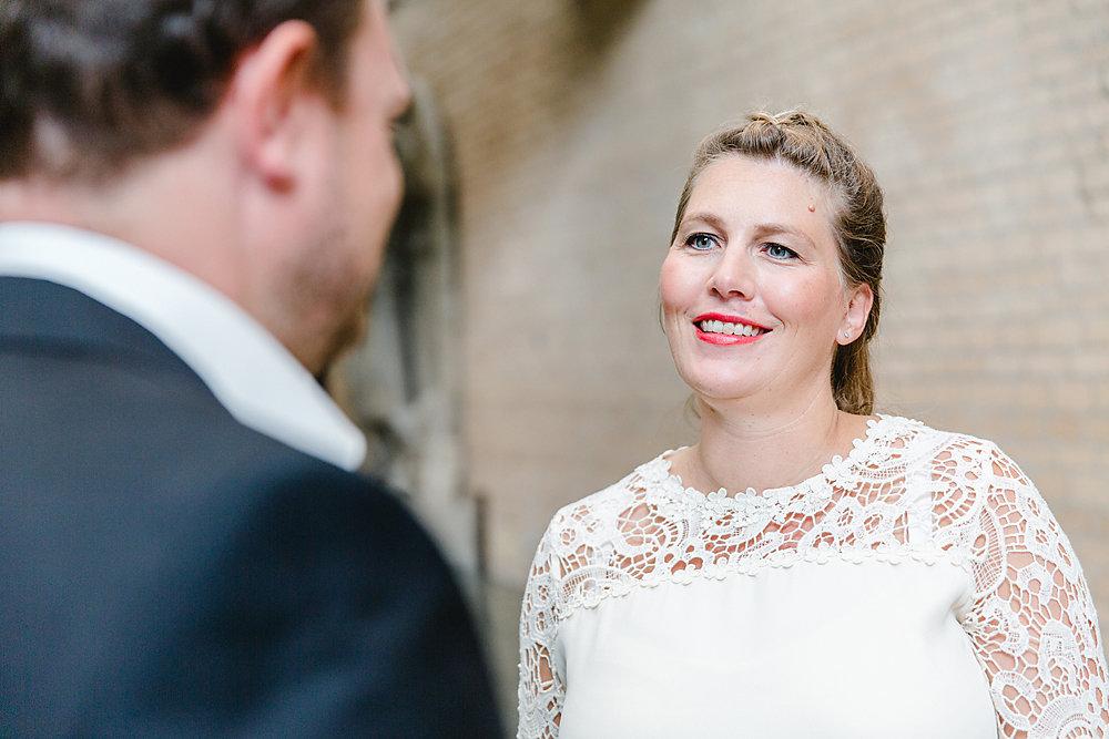 Hochzeitsfotograf-bochum-Standesamtliche-Hochzeit-am-Rheinufer-Koln-2.jpg