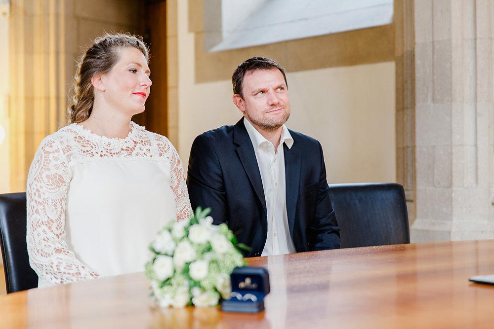Hochzeitsfotograf-bochum-Standesamtliche-Hochzeit-am-Rheinufer-Koln-7.jpg