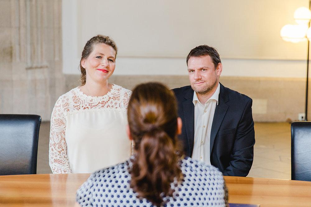 Hochzeitsfotograf-bochum-Standesamtliche-Hochzeit-am-Rheinufer-Koln-8.jpg