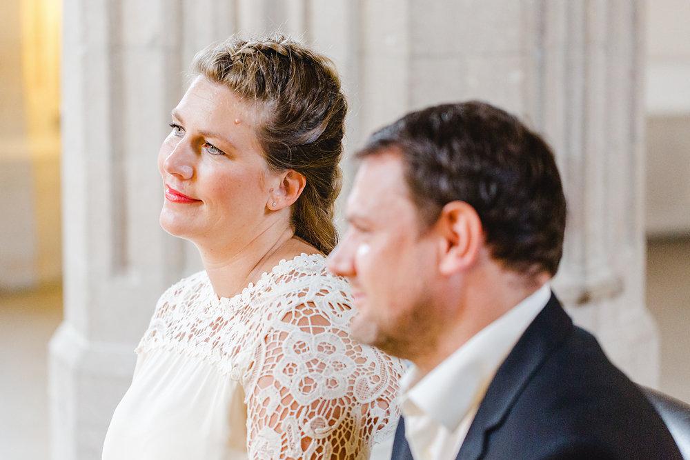 Hochzeitsfotograf-bochum-Standesamtliche-Hochzeit-am-Rheinufer-Koln-10.jpg