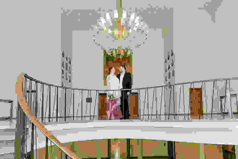 Hochzeitsfotograf-bochum-Standesamtliche-Hochzeit-am-Rheinufer-Koln-31.jpg
