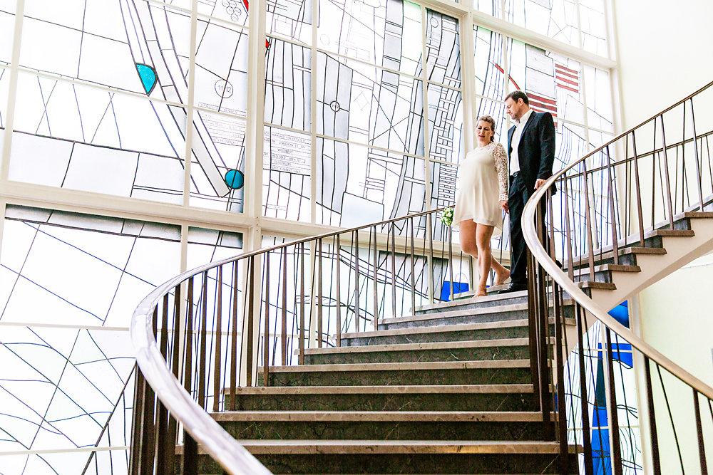 Hochzeitsfotograf-bochum-Standesamtliche-Hochzeit-am-Rheinufer-Koln-32.jpg