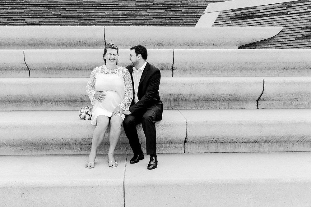 Hochzeitsfotograf-bochum-Standesamtliche-Hochzeit-am-Rheinufer-Koln-38.jpg