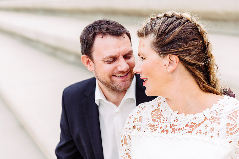 Hochzeitsfotograf-bochum-Standesamtliche-Hochzeit-am-Rheinufer-Koln-44.jpg