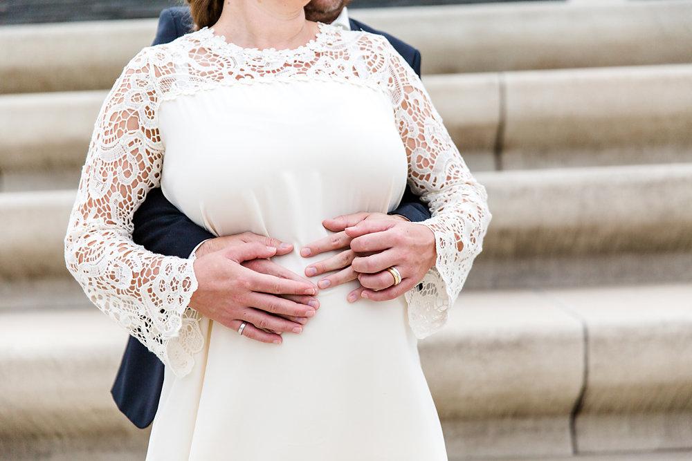 Hochzeitsfotograf-bochum-Standesamtliche-Hochzeit-am-Rheinufer-Koln-50.jpg