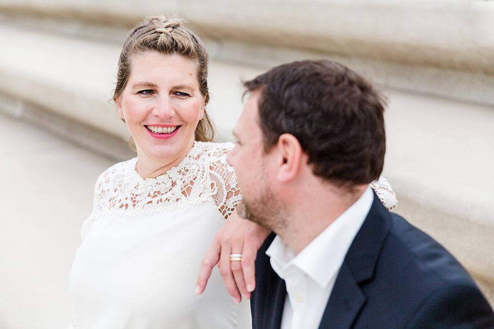 Hochzeitsfotograf-bochum-Standesamtliche-Hochzeit-am-Rheinufer-Koln-52.jpg