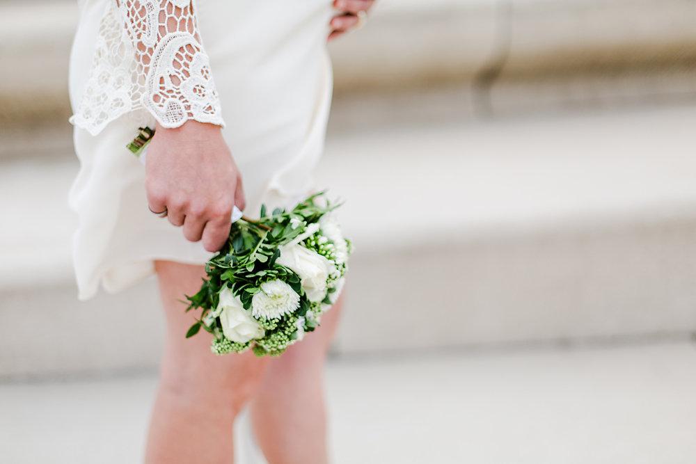 Hochzeitsfotograf-bochum-Standesamtliche-Hochzeit-am-Rheinufer-Koln-57.jpg