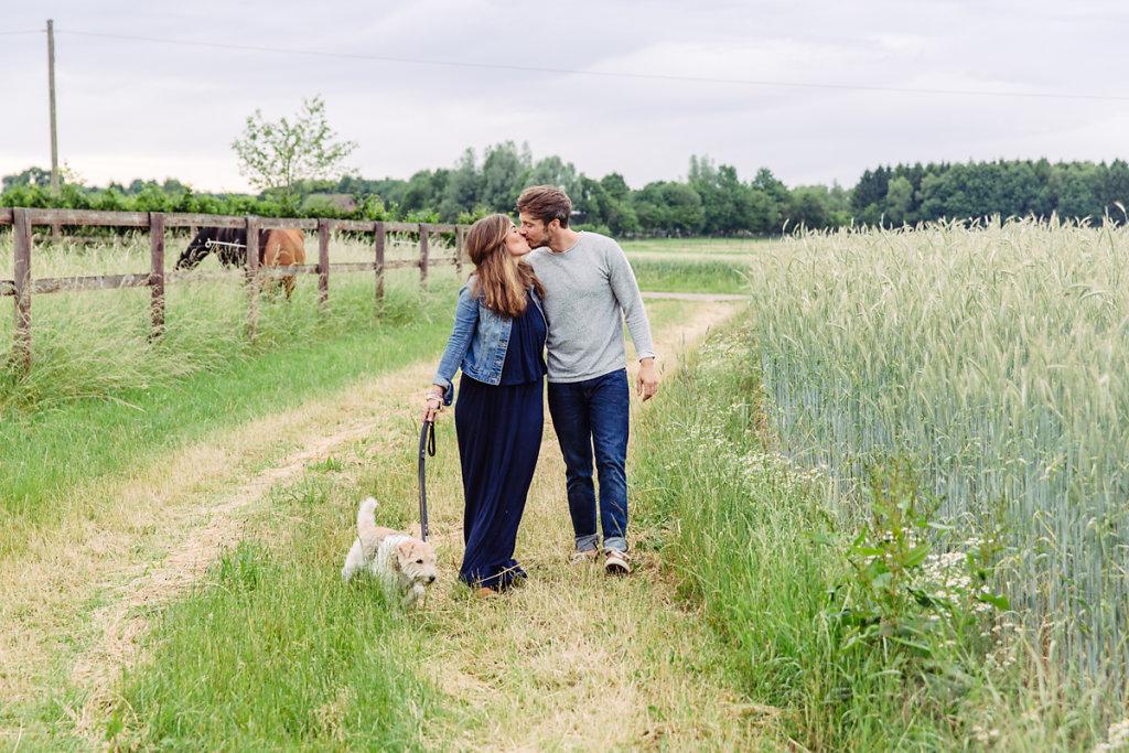 mh-hochzeitsfotografie-verlobung-im-gruenen-botropp-07.jpg
